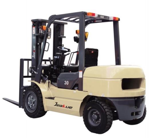 3-3.8T 内燃平衡重叉车